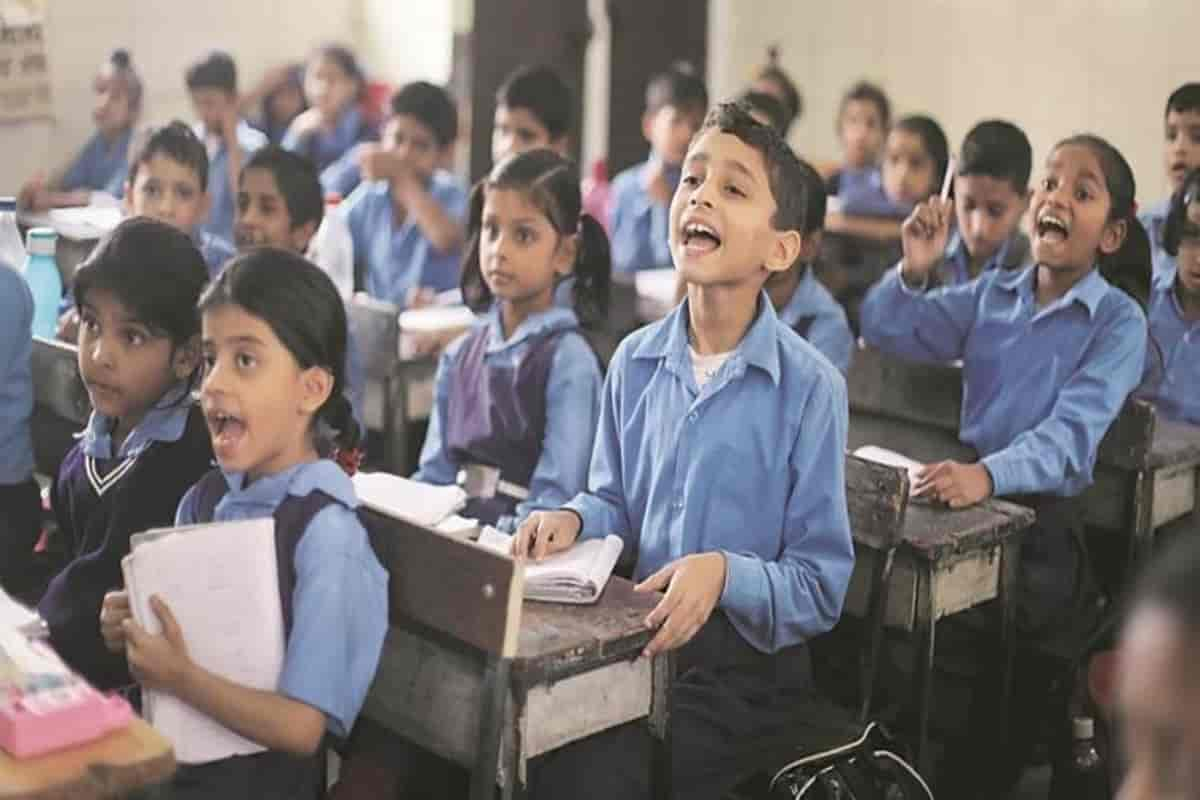 BREAKING NEWS: 75,000 students studying in Delhi to get Happiness Box, benefit to the entire family