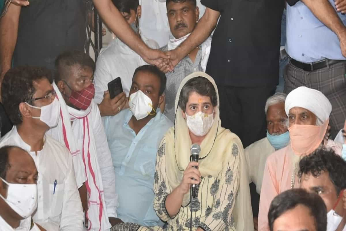Justice For Sister: Priyanka Gandhi at Prayer For UP Woman
