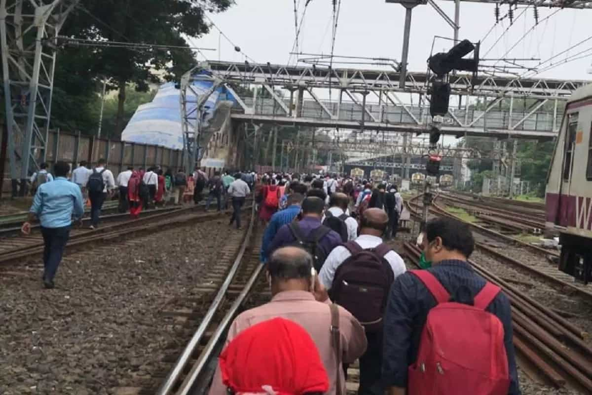 Large parts of Mumbai face major power outage; local trains held up