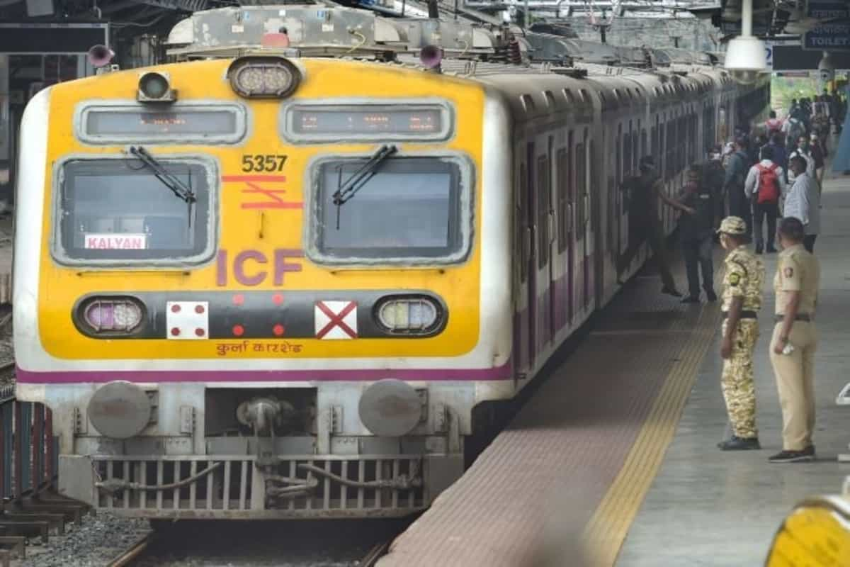 Maharashtra Government may resume Local Trains for all by October 15