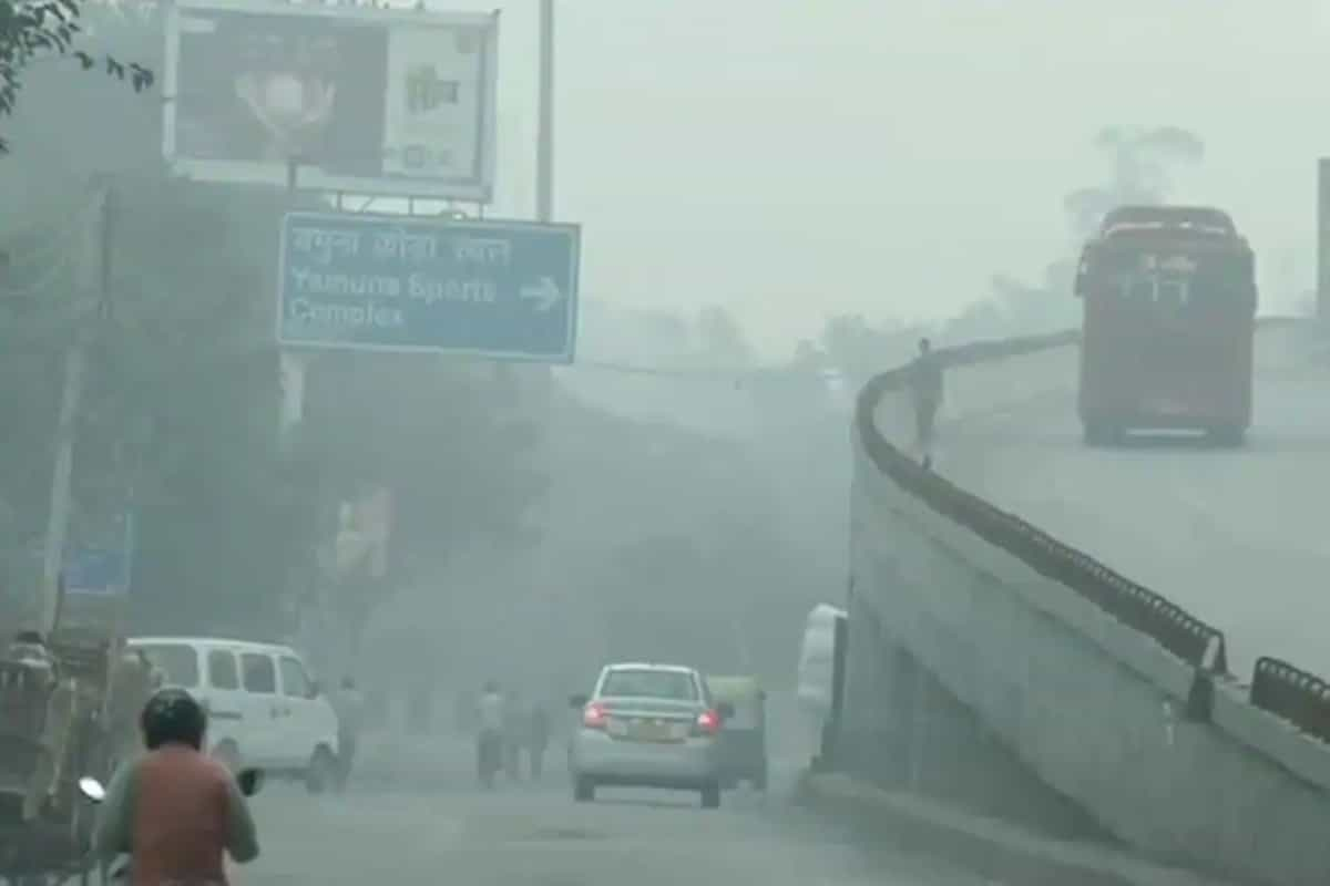 Delhi wakes up to hazy morning; air quality remains in 'poor category'