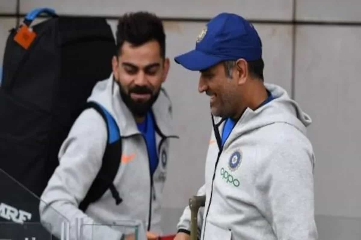 Virat Kohli's reaction to 'miss you MS Dhoni' poster in Sydney goes viral – Me too
