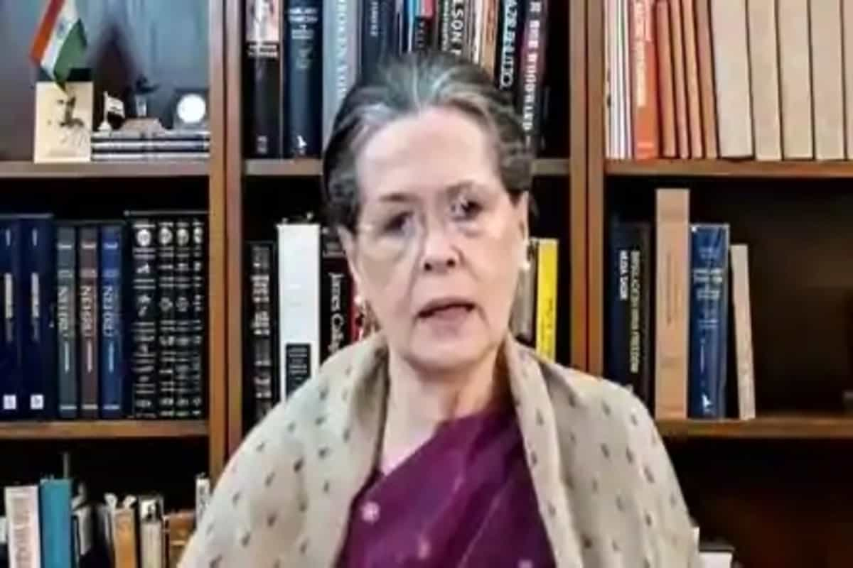 Sonia Gandhi not to celebrate her birthday in view of farmers' protests, Covid-19