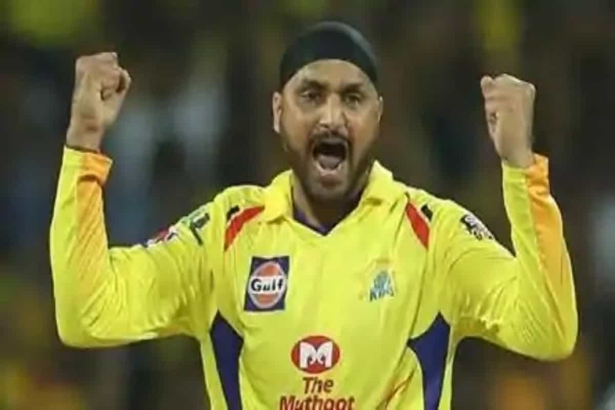 India vs Australia: 'If he doesn't learn, someone else will take the slot', Harbhajan Singh advises Indian youngster to learn from his mistakes