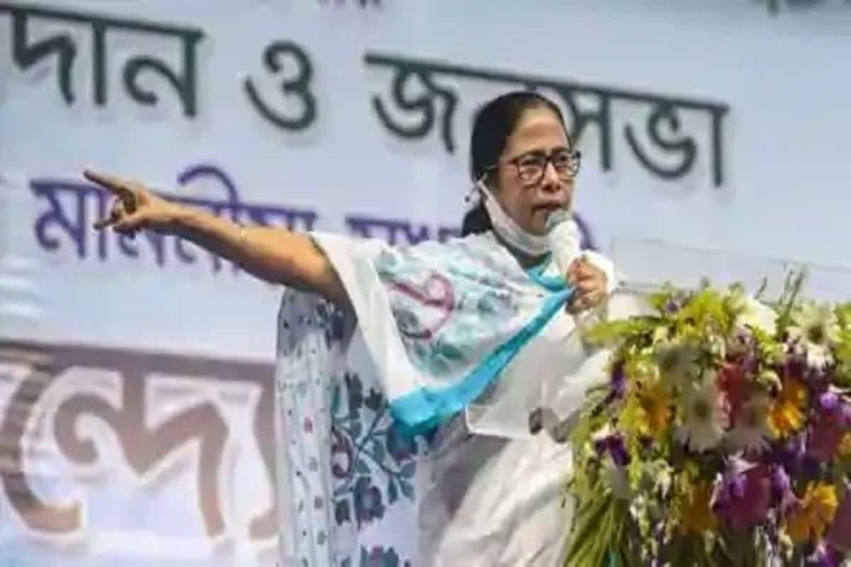 Trend to bulldoze democracy, crush fundamental rights: Mamata on Human Rights Day