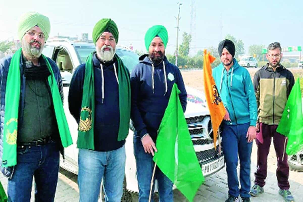 Truckful of winterwear, 60 volunteers, Ludhiana goes all out for protesting farmers