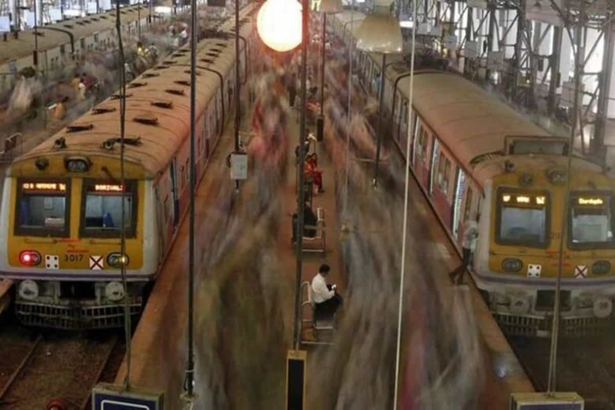 Hundreds booked for travelling on Mumbai local trains with fake IDs