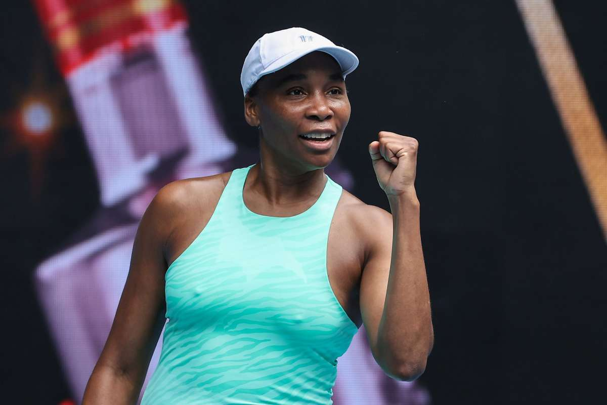 Opening day at Australian Open: Serena Williams wins easily
