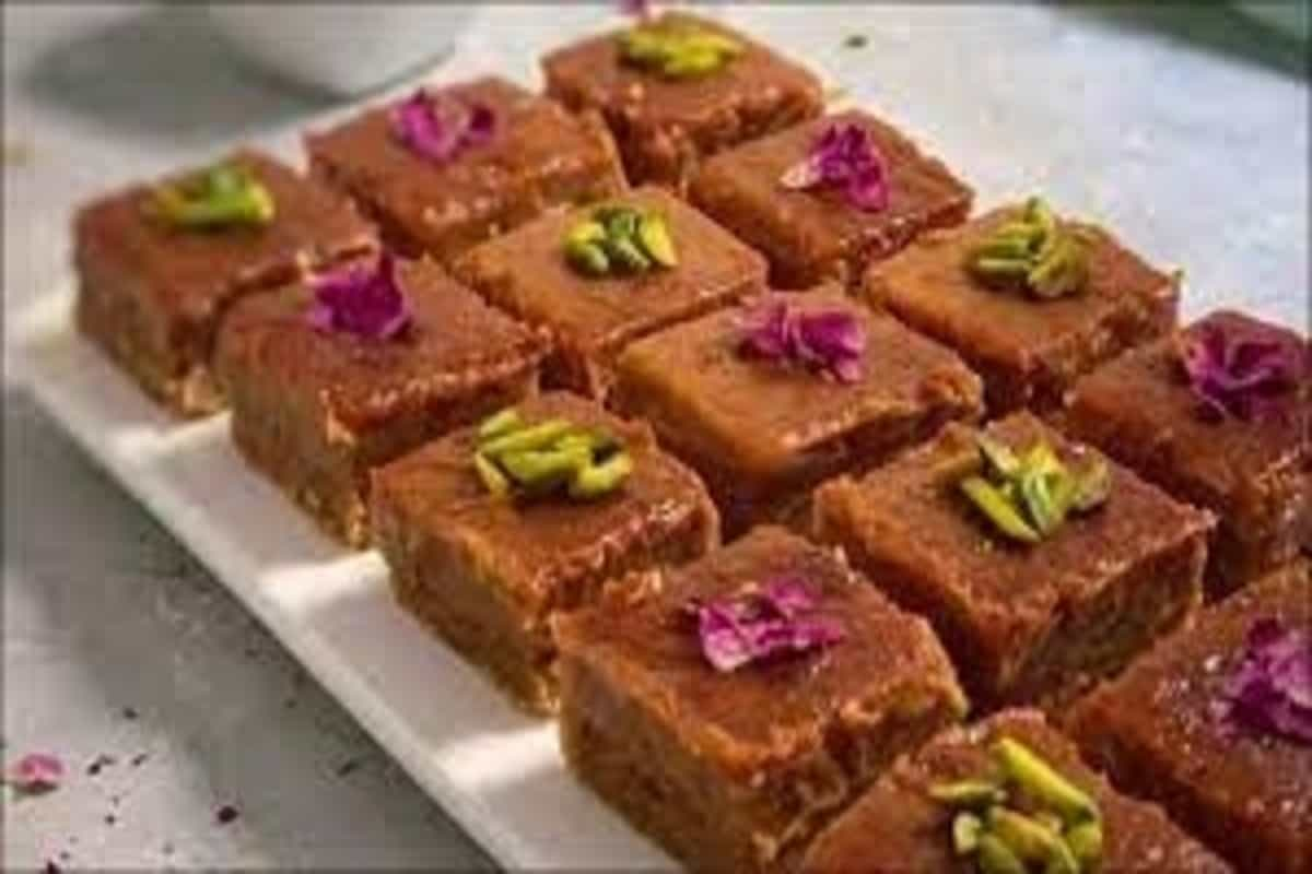 Recipe: Ramadan and khajur are here, try whipping up some delicious date squares