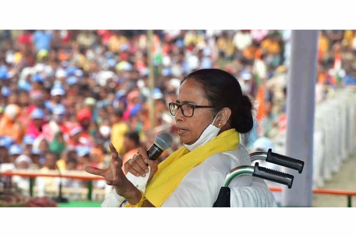 BREAKING NEWS : WB CM Mamata Banerjee cancels all her meetings as Election Commission revokes permission for rallies due to Covid-19