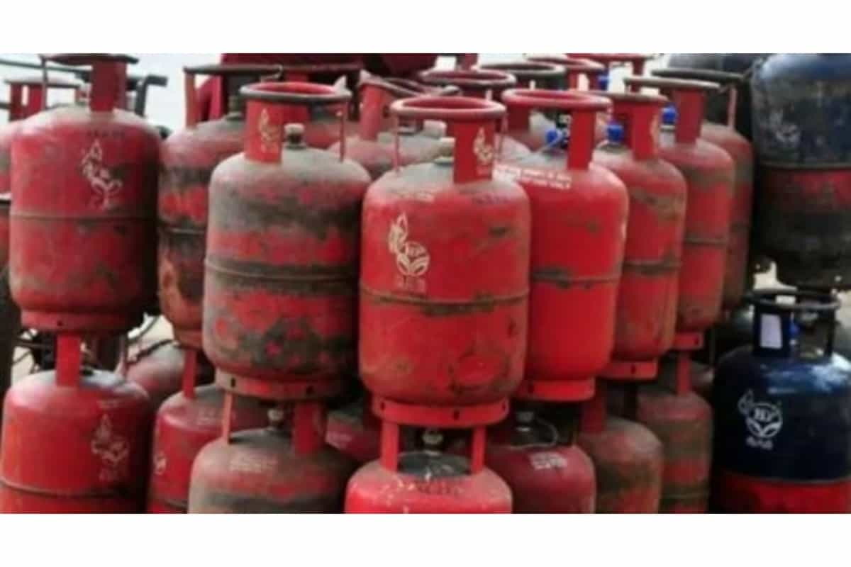 LPG cylinder cheaper by Rs 46, now non-subsidized gas will be available at this rate
