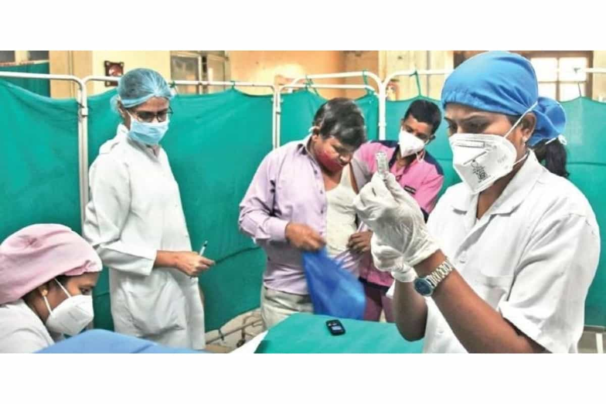 BREAKING NEWS: HC stays Telangana govt's order to allow Covid-19 patients to enter only in case of a prior tie-up with hospitals